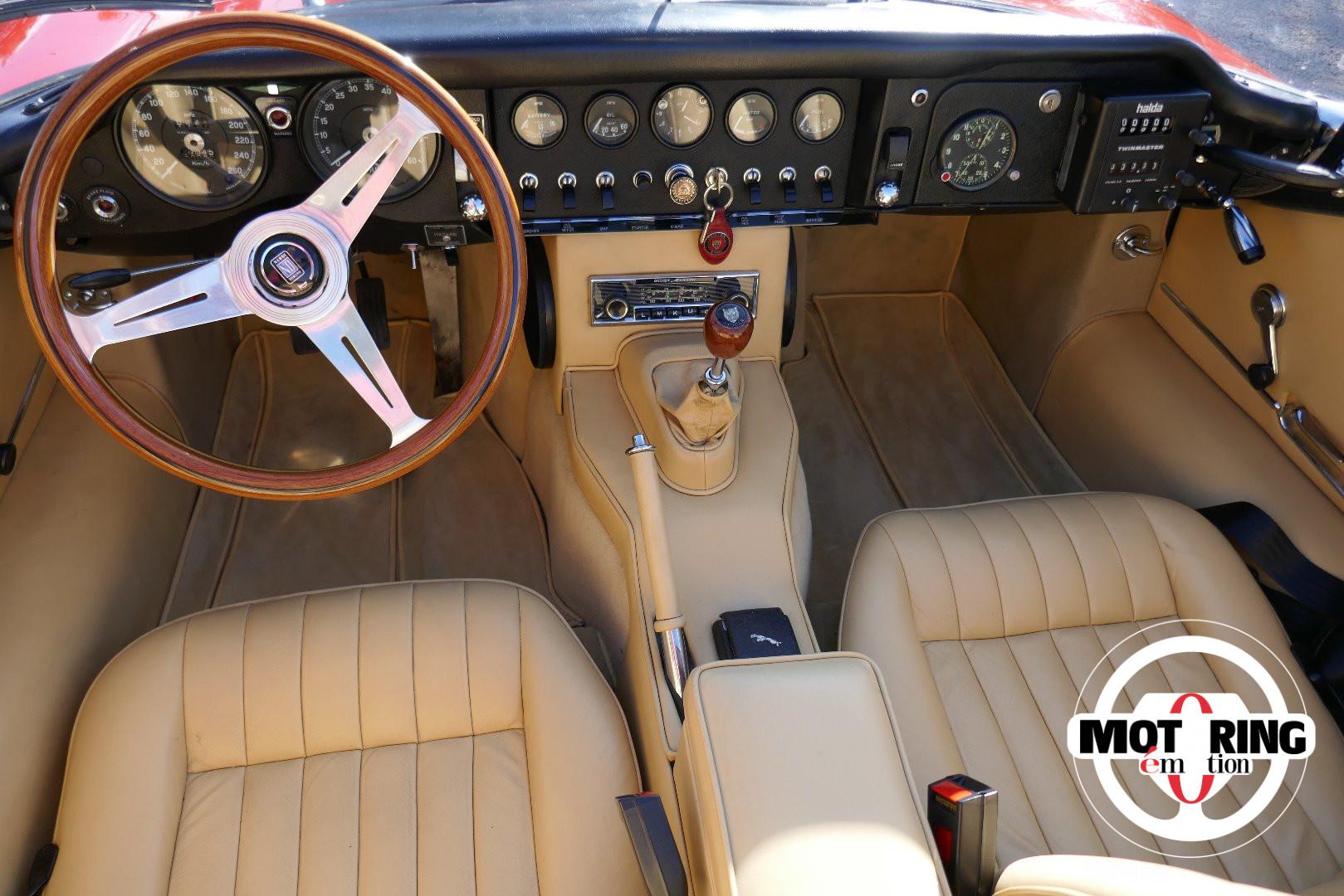 Jaguar à toutes les sauces. - Page 21 14217-jaguar_type_e_serie_1_42_cabriolet_avec_hard_top_1969